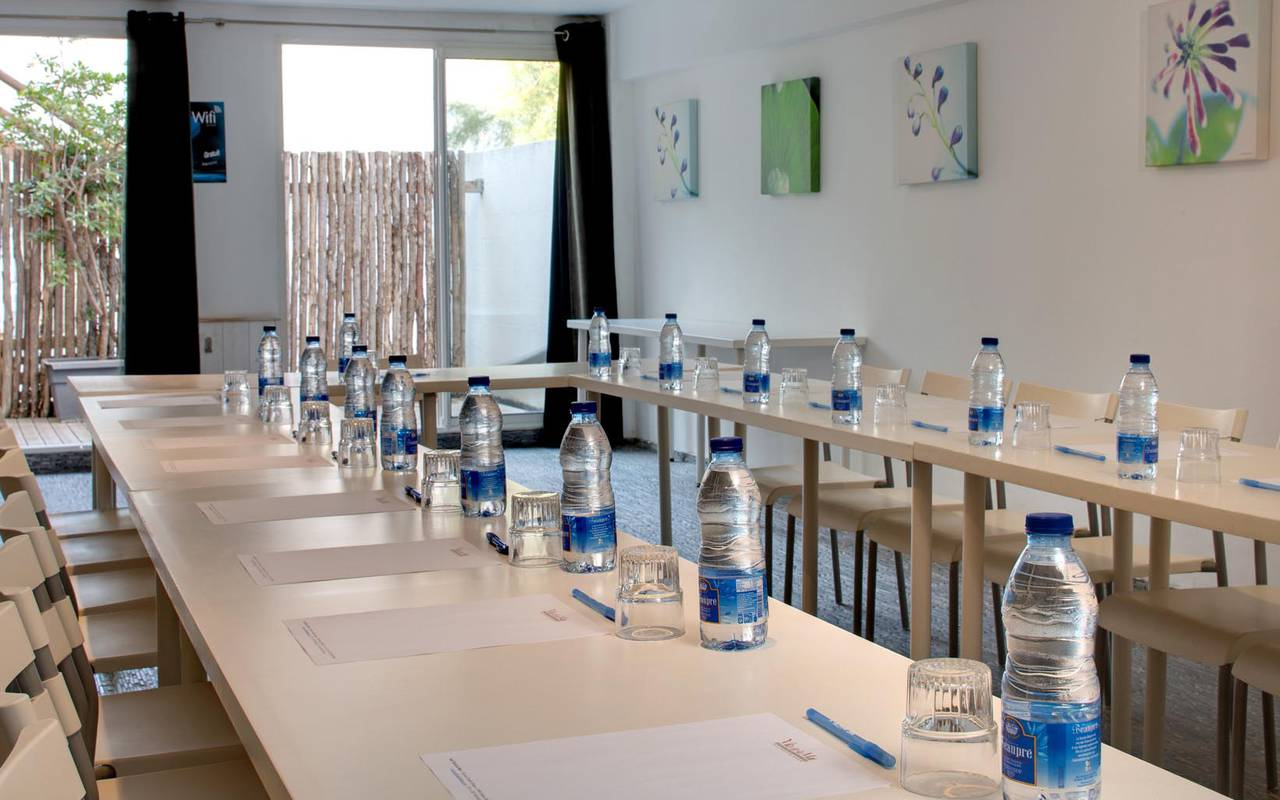 Seminar table hotel in camargue