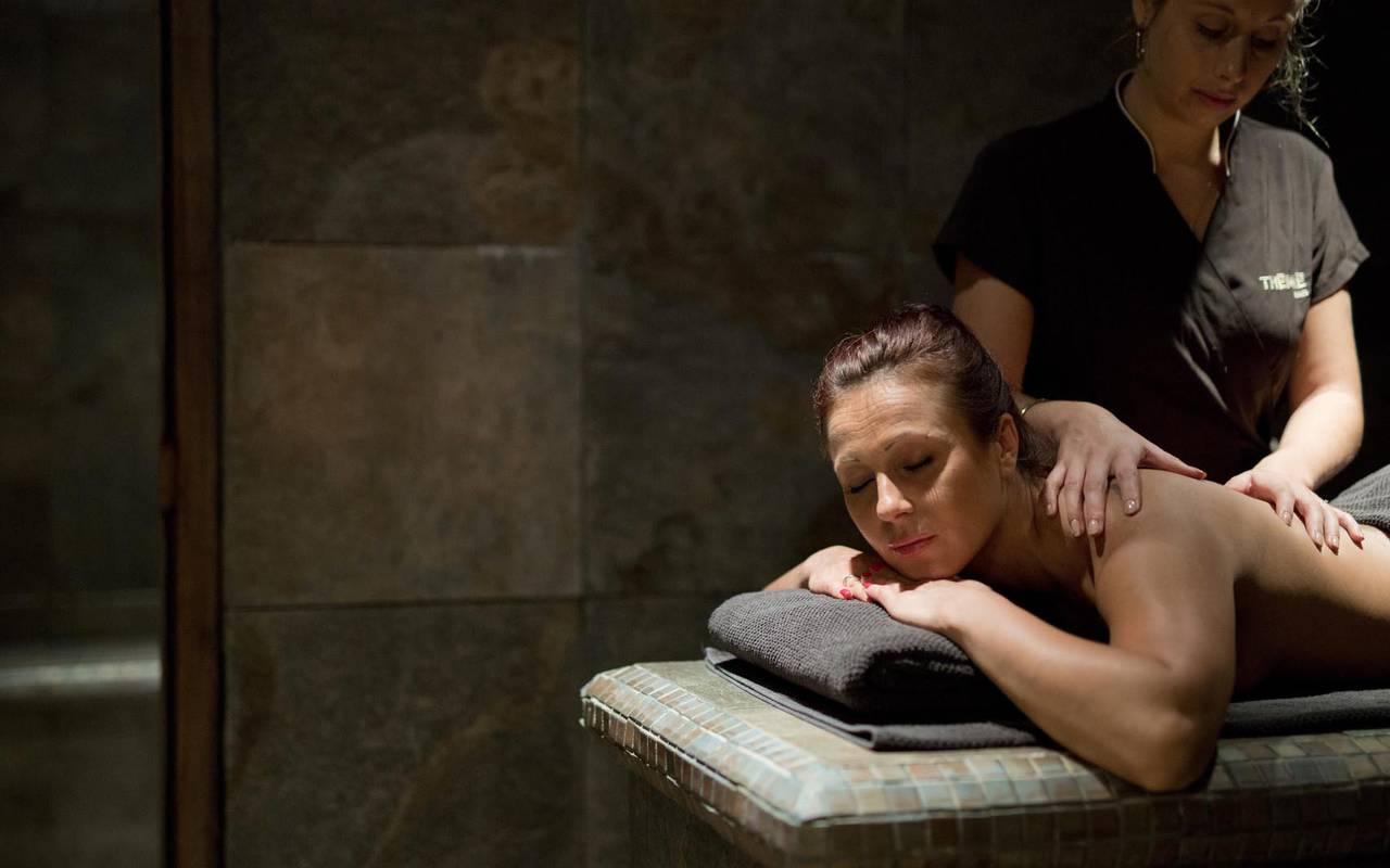 Salle de massage hôtel 4 étoiles camargue