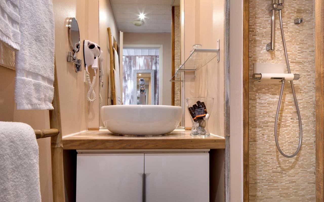 Salle de bain design séminaire camargue