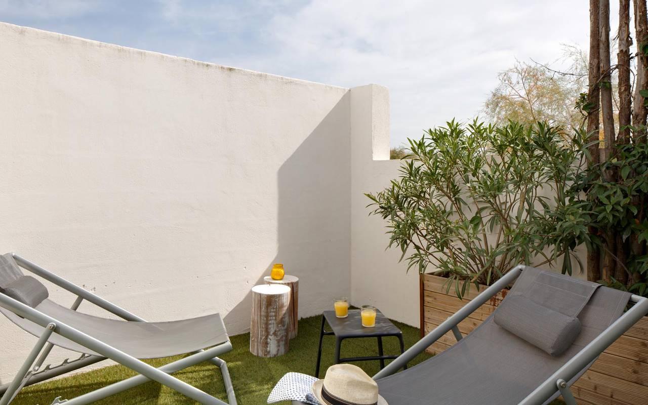 Chic rooftop vue sur le ciel hôtel spa camargue