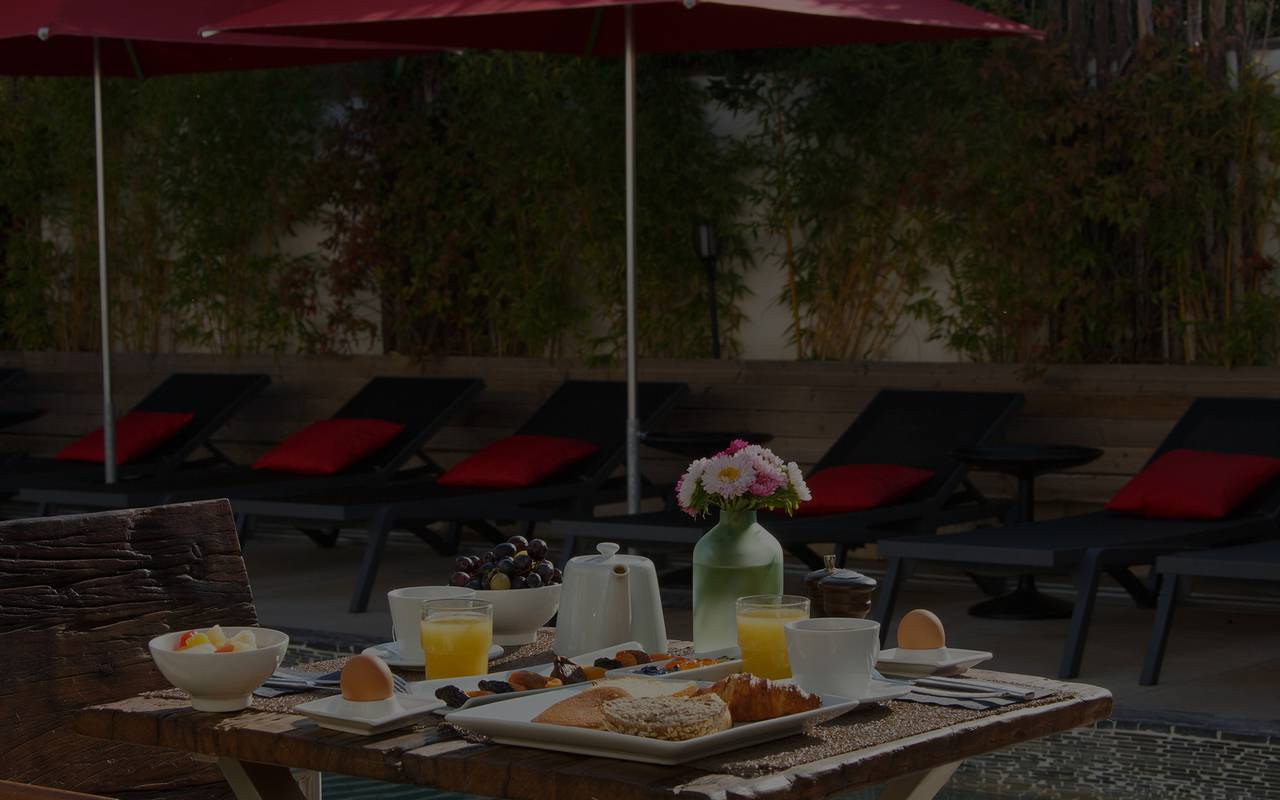 Petit déjeuner gourmand hôtel 4 étoiles camargue