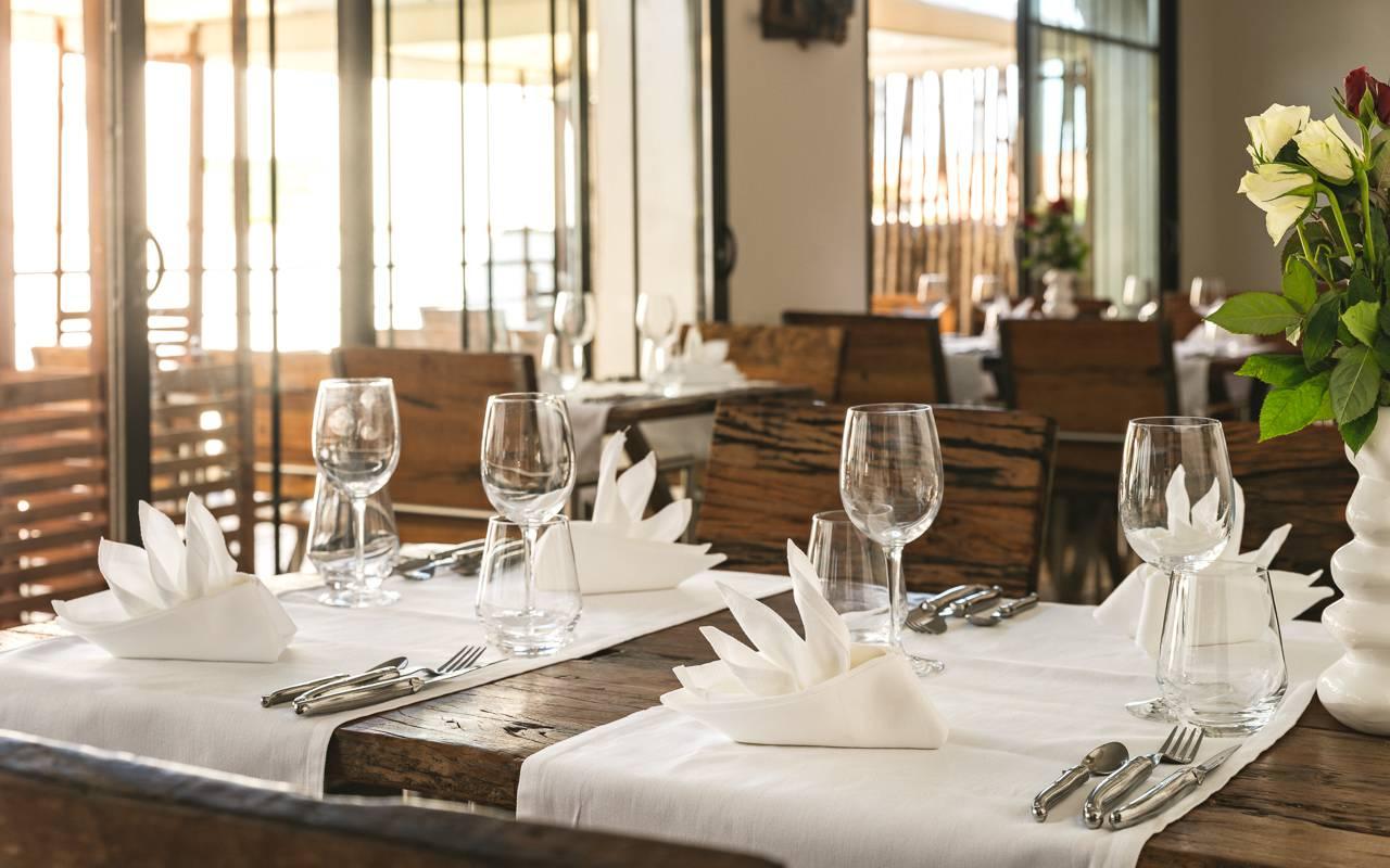 Restaurant spacieux hôtel 4 étoiles camargue